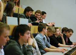 Aansluiting tussen voortgezet en hoger onderwijs moet beter